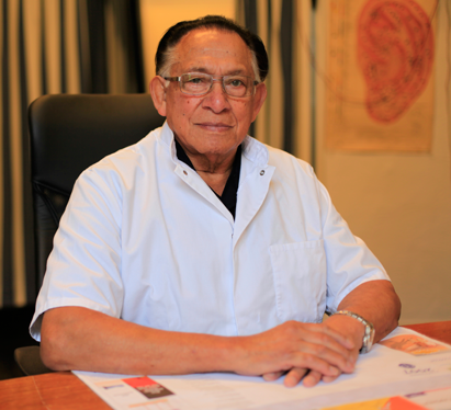 acupuncturist dokter R.E. Wong Chung
